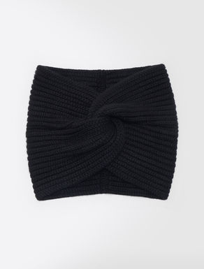 Cashmere belt