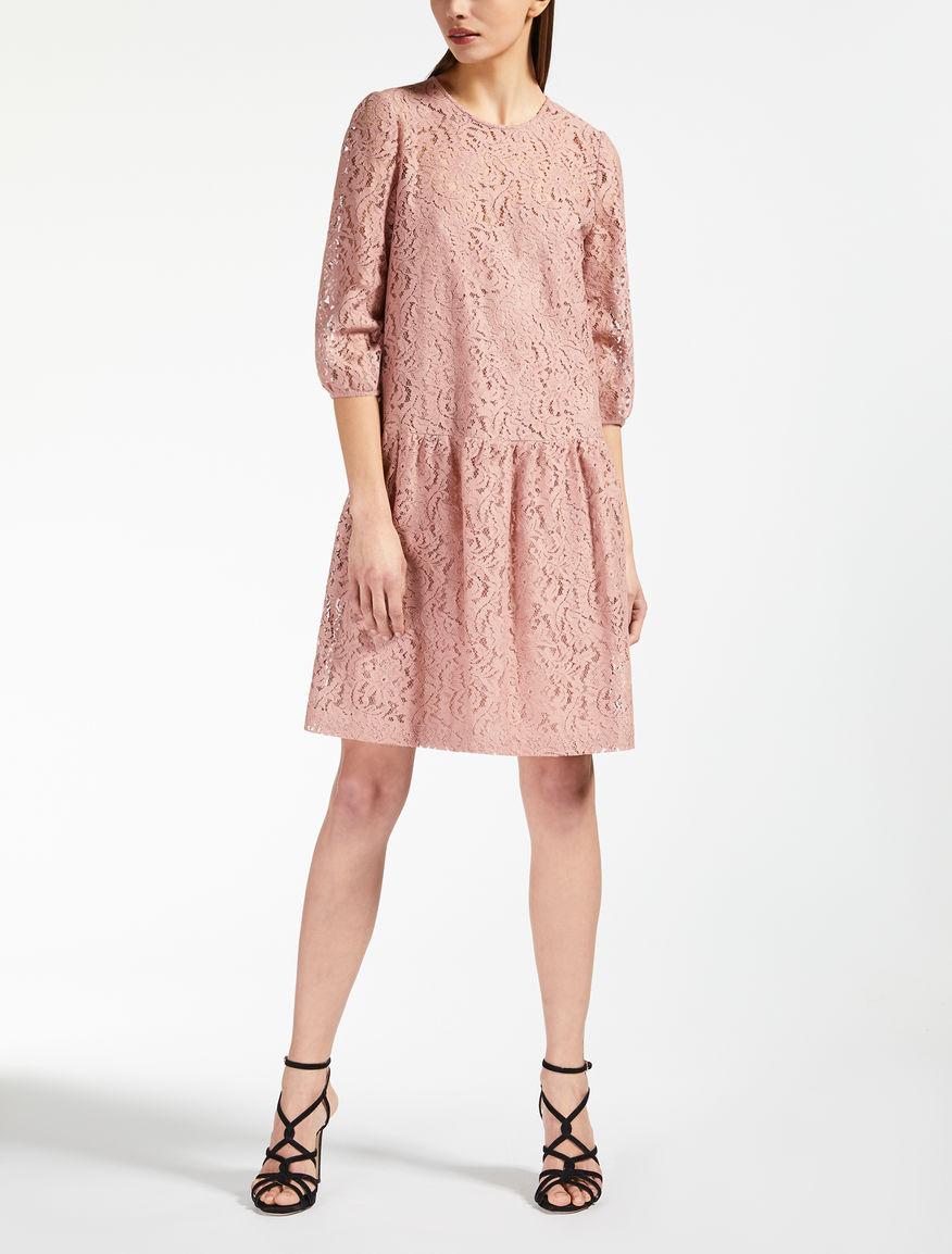 Robe en dentelle de coton