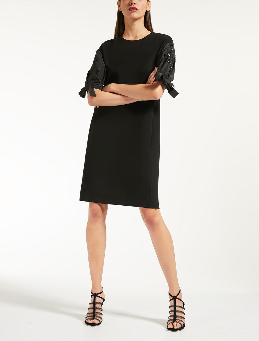 Kleid aus Cady und Taft