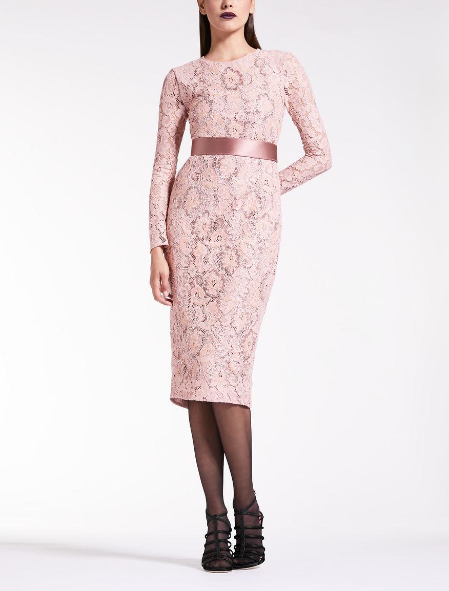 Kleid aus Rebrodé-Spitze