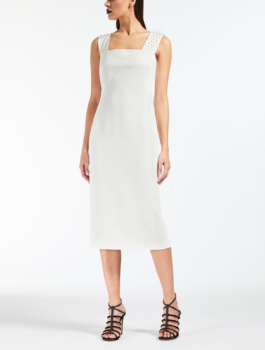 Kleid aus schwerem Cady