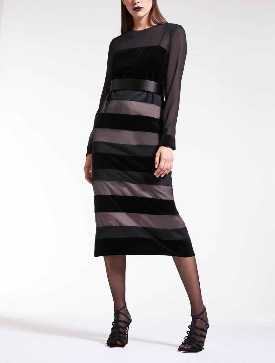 Kleid aus Samt, Organza und Kamelhaar