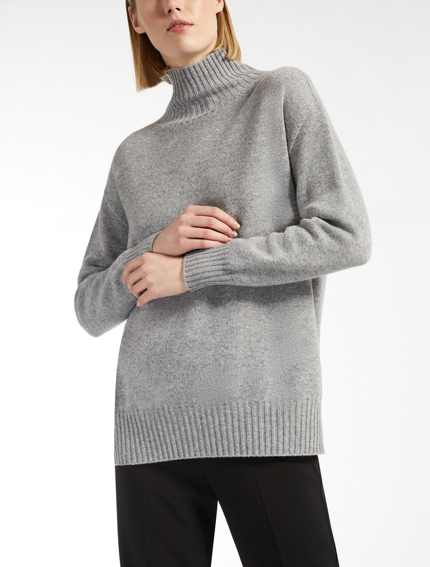 Cashmere polo neck jumper