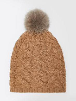 Cashmere and silk yarn cap