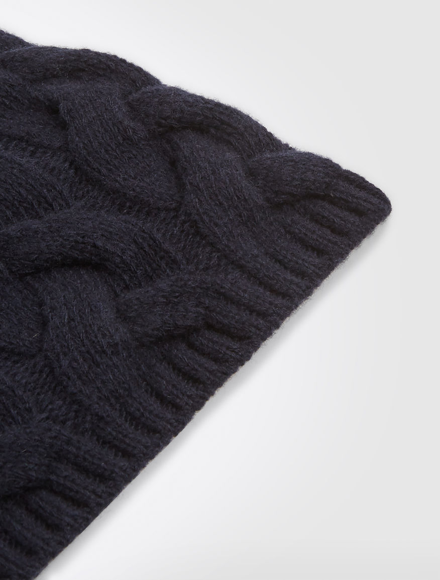 fca44a63c36 Cashmere and silk yarn cap