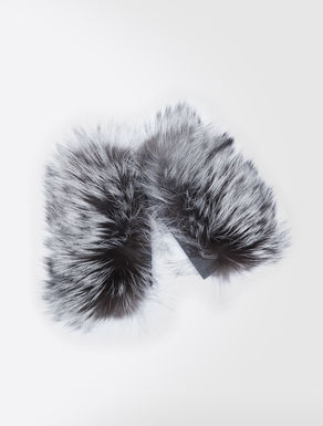 Frost fox-fur cuffs