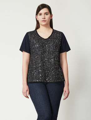 T-shirt in mesh with embellishment
