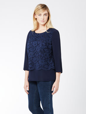 Tunic in crêpe de Chine and lace