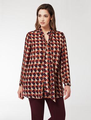 Crêpe shirt with geometric print