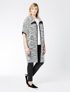 Long wool patterned cape