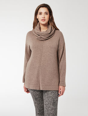 Cashmere blend jumper with collar