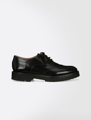 Lace-ups in corrected-grain leather