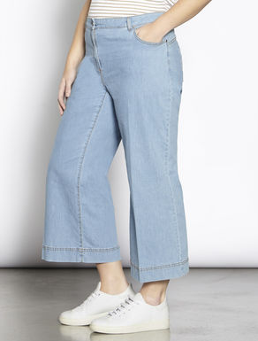 Cropped lightweight denim jeans