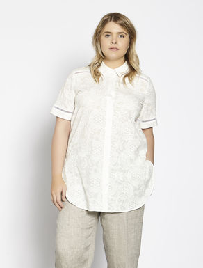Wide embroidered muslin shirt