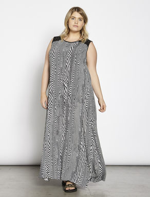 Long dress in printed Moroccan