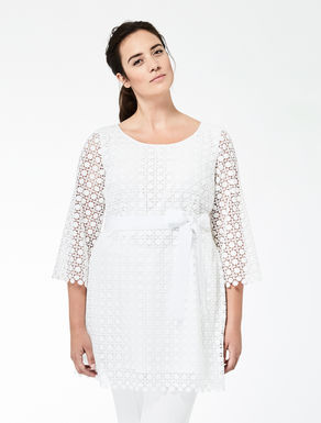 Macramé tunic with belt