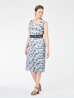 Crêpe dress with pleated skirt