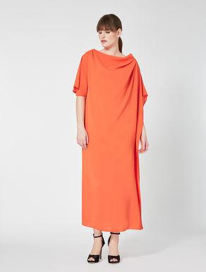 Robe longue avec drapé