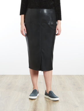 Pencil skirt in coated fabric