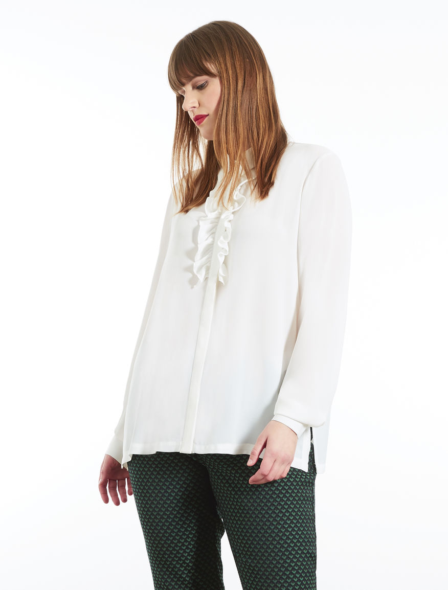 Fluid fabric shirt with frills
