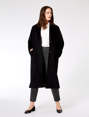 Coat in pure wool drape