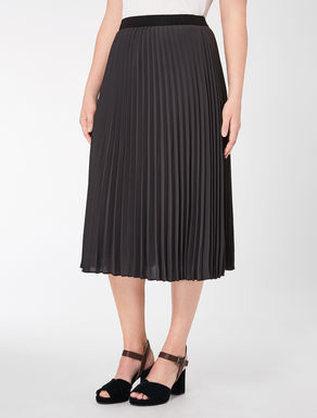 Floaty pleated skirt