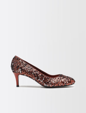 Sequin pumps