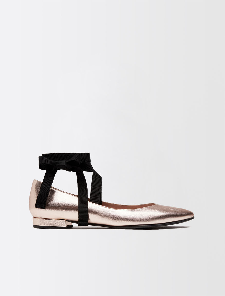 Laminated leather ballerinas