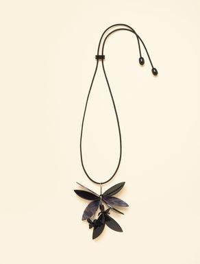 Halskette aus Kunstharz