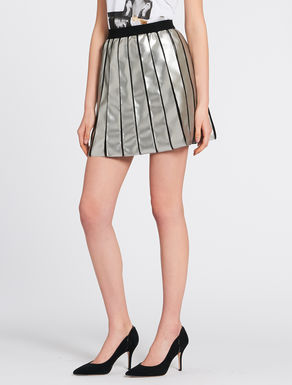 Reversible laminated mini-skirt