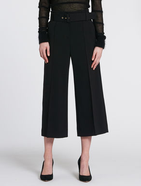 Flowing fabric culottes pants