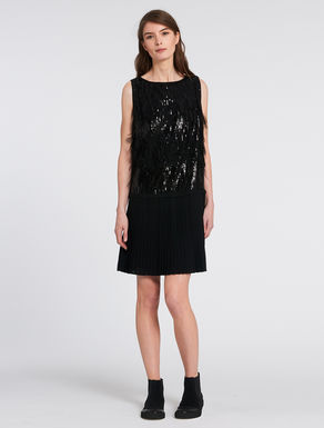 Dress with sequins and feathers