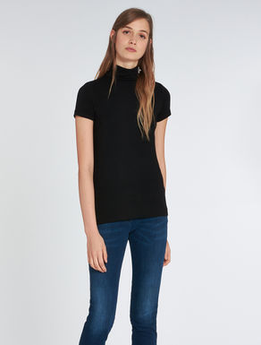Roll neck T-shirt in jersey