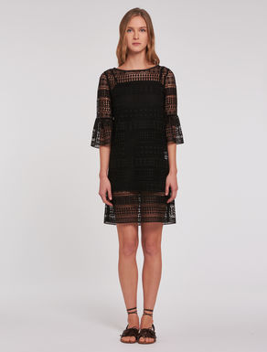 Dress in geometric macramé