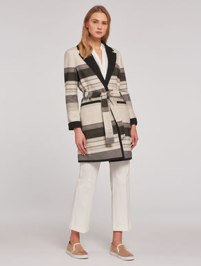 Reversible striped trench