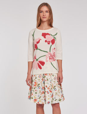 Sweater with floral inlay