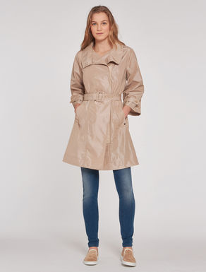 Trench coat in technical fabric