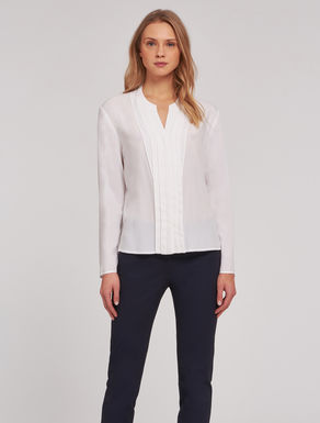 Floaty shirt with pleats