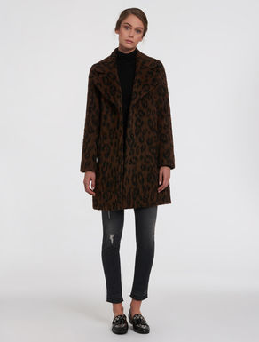 Mixed alpaca spotted coat