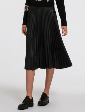 Pleated skirt with coated fabric