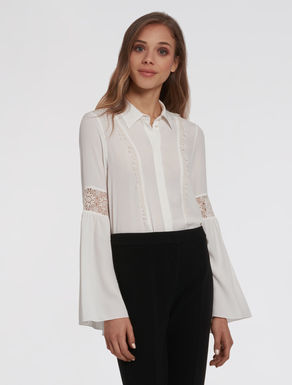 Crêpe blouse with lace