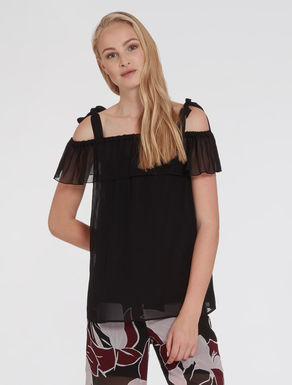 Top in georgette con volant