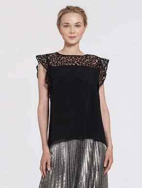 Spotted tulle and crêpe top