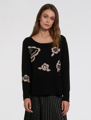 Sweater with floral embroidery