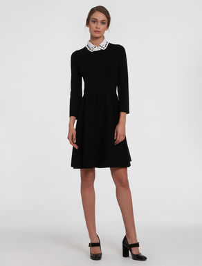 Knit dress with gem neck