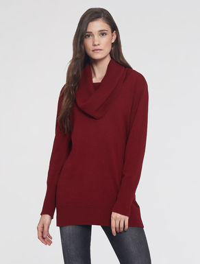 Sweater with ring neck