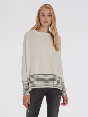 Lined hem sweater