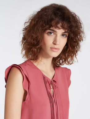 Crêpe de chine top with pleat