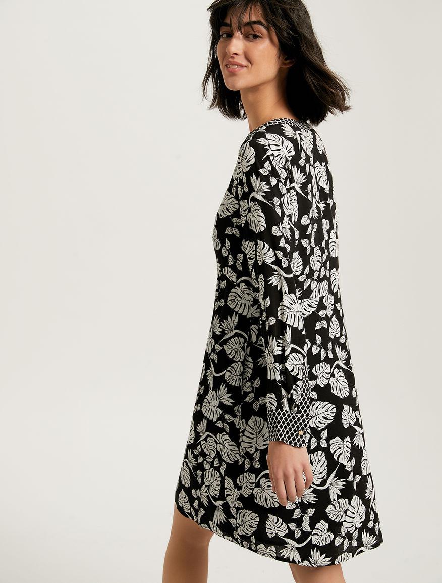 802ddc8f5d8 Foliage fishnet print dress