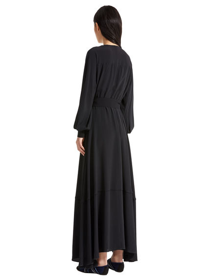 Maxi dress in crêpe con cintura